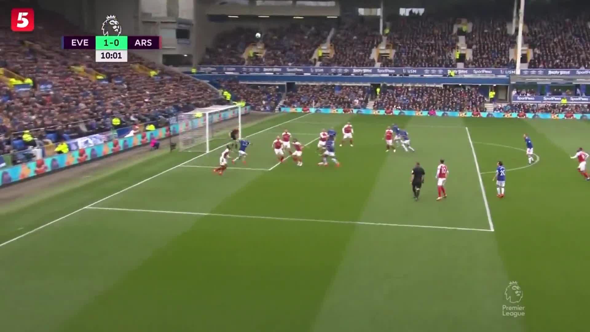 [视频]英超:阿森纳0-1输掉争四关键战 36岁老将破门创纪录