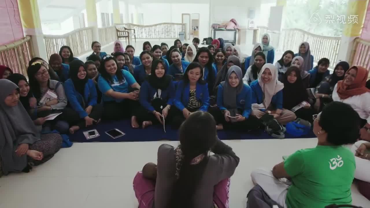 [视频]最美助产士:将7000个婴儿带到世界