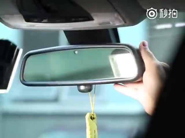 行车记录仪安什么位置,视野最佳?