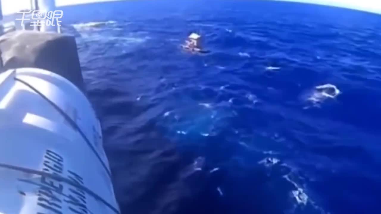 [视频]印尼少年真人版海上奇幻漂流 靠圣经撑49天获救