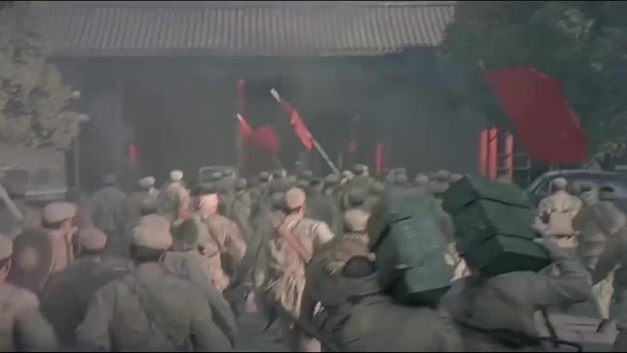 【不忘初心 经典故事】解放军百万大军发起渡江战役 国民党千里江防一触而溃