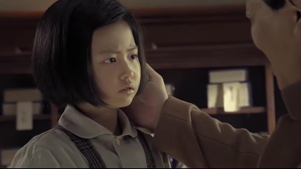 【不忘初心 经典故事】年幼的李讷问毛泽东为什么在开国大典穿旧衣服 毛泽东却让女儿记住一句话
