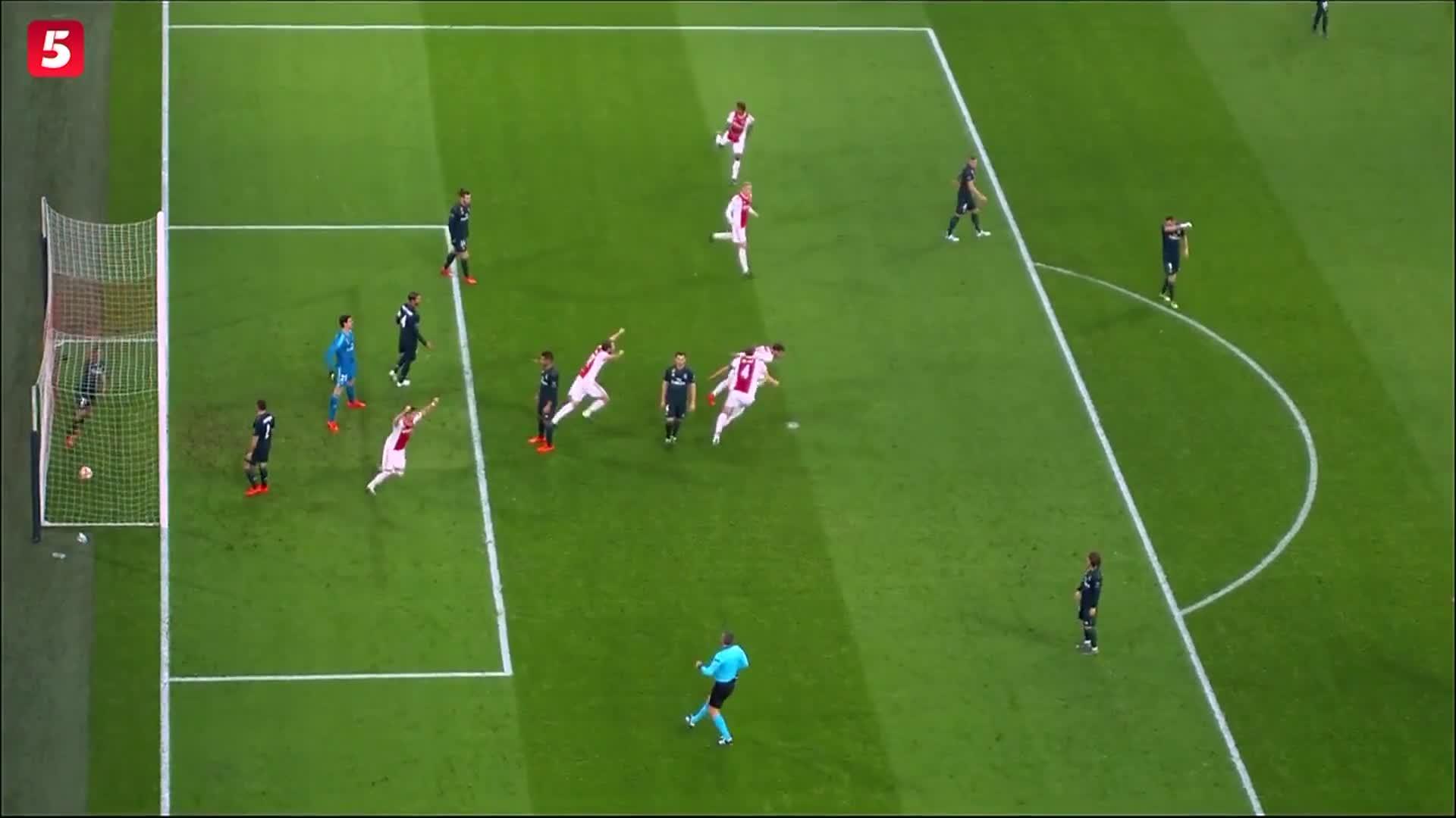 [视频]欧冠:皇马2-1阿贾克斯 阿森西奥绝杀