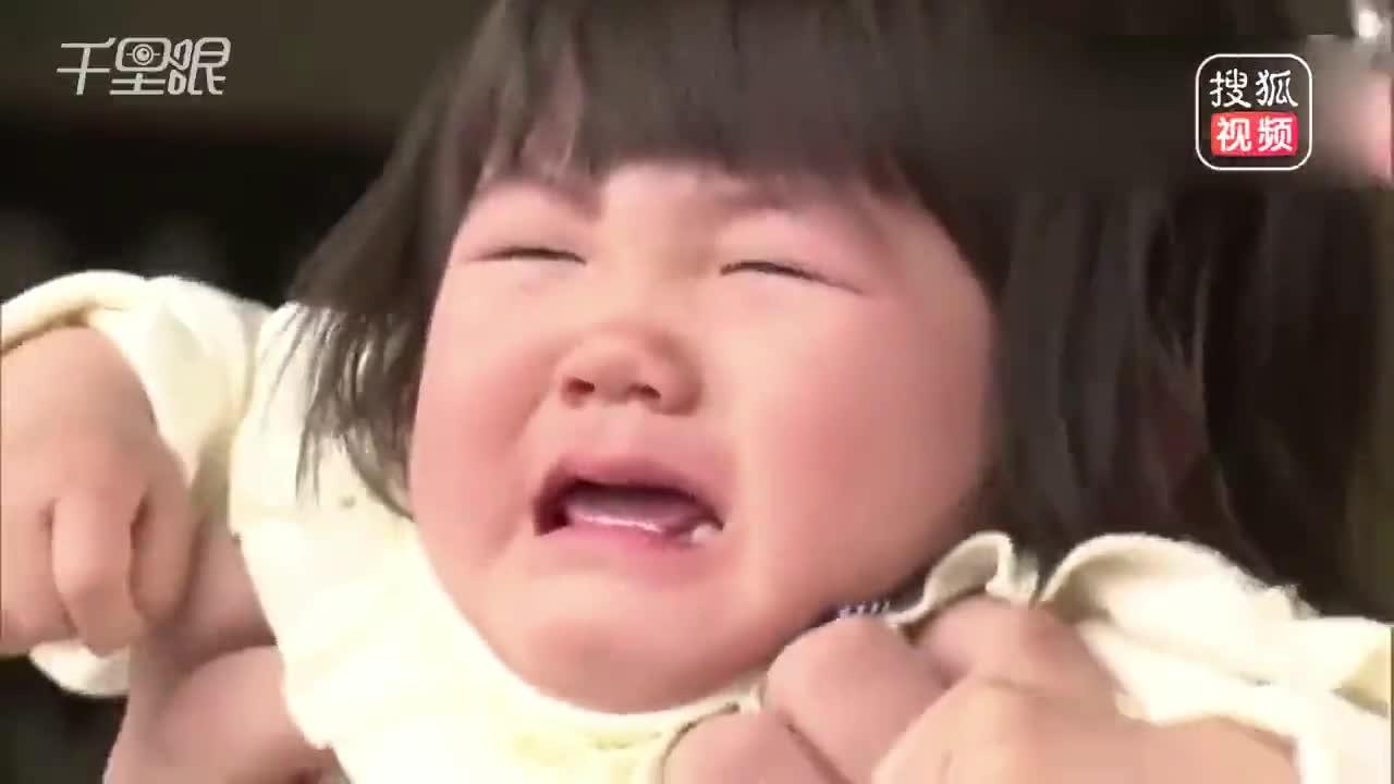[视频]数百婴儿参加哭泣相扑:被相扑运动员抱起 比谁哭声大