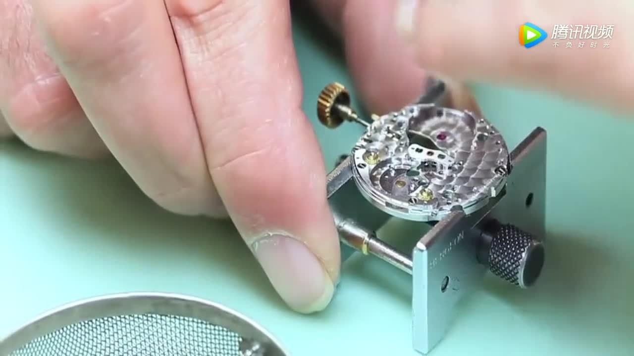 [视频]劳力士手表为什么这么贵 拆开看这些精密的机械结构就明白了