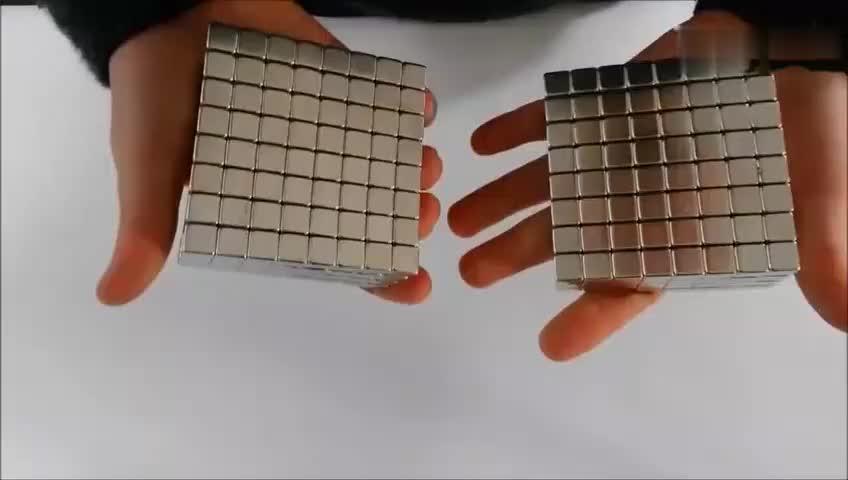 [视频]磁铁魔方新玩法 酷炫到没朋友