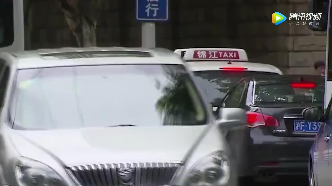 """[视频]美国Uber""""一键报警""""与滴滴几乎同时上线 警方到场却只用5分钟"""