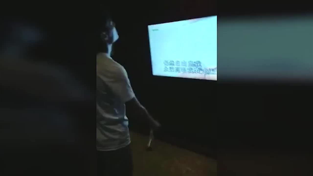 [视频]中国音集协整顿KTV乱象 6000多首歌被下架