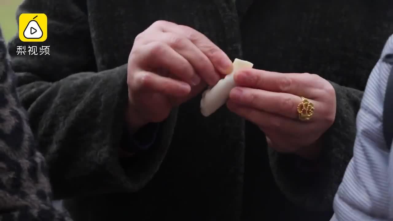 [视频]不上麻将桌!她们包2200水饺庆三八